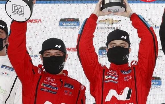 Gabby Chaves consigue su primera victoria de temporada en el Imsa Michellin Pilot Challenge