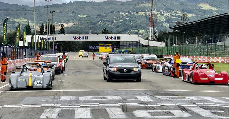El CNA trajo de vuelta las competencias del automovilismo colombiano a la pista del Autódromo de Tocancipá