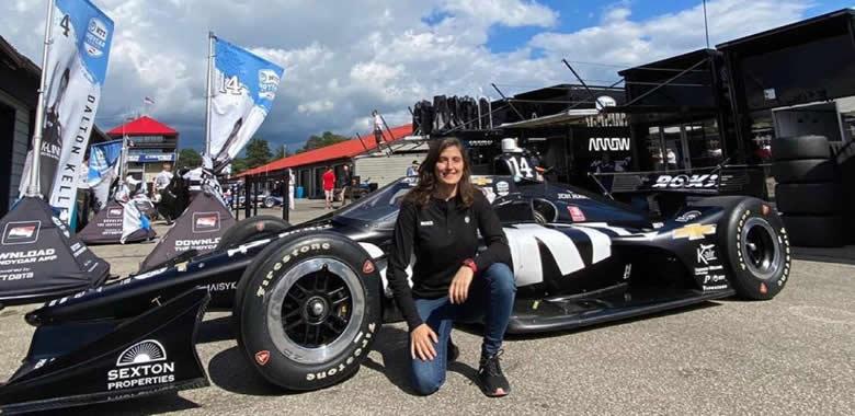 Tatiana Calderón lista para conducir un IndyCar este martes